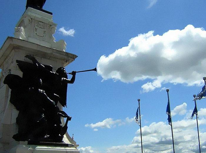 cloud-forced-perspective-optical-illusions-35
