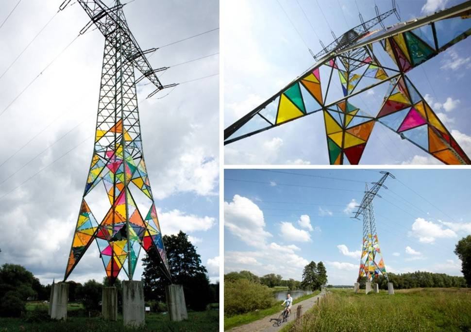 Stained Glass Electrical Towers por Ail Hwang, Hae-Ryaan Jeon and Ghung Ki Park - Munster, Alemania 1